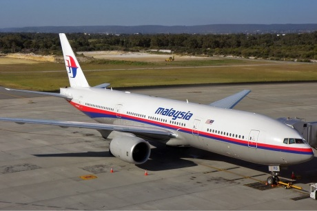 Malaysia_Airlines_Boeing_777-200ER_PER_Koch-1
